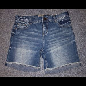 Girls justice jean shorts. Size 16
